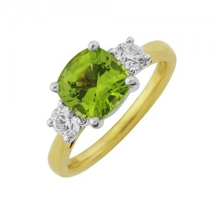 18ct Gold Peridot & Diamond 3st Ring - P 1.99 D 0.38