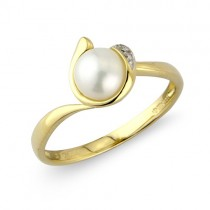 9ct Gold Cultured Pearl & Diamond Ring