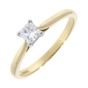 18ct Gold Princess Cut Diamond Solitaire Diamond Ring - D:0.30