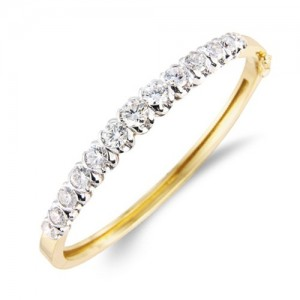 18ct Gold Graduated Diamond Bangle - D:4.08cts